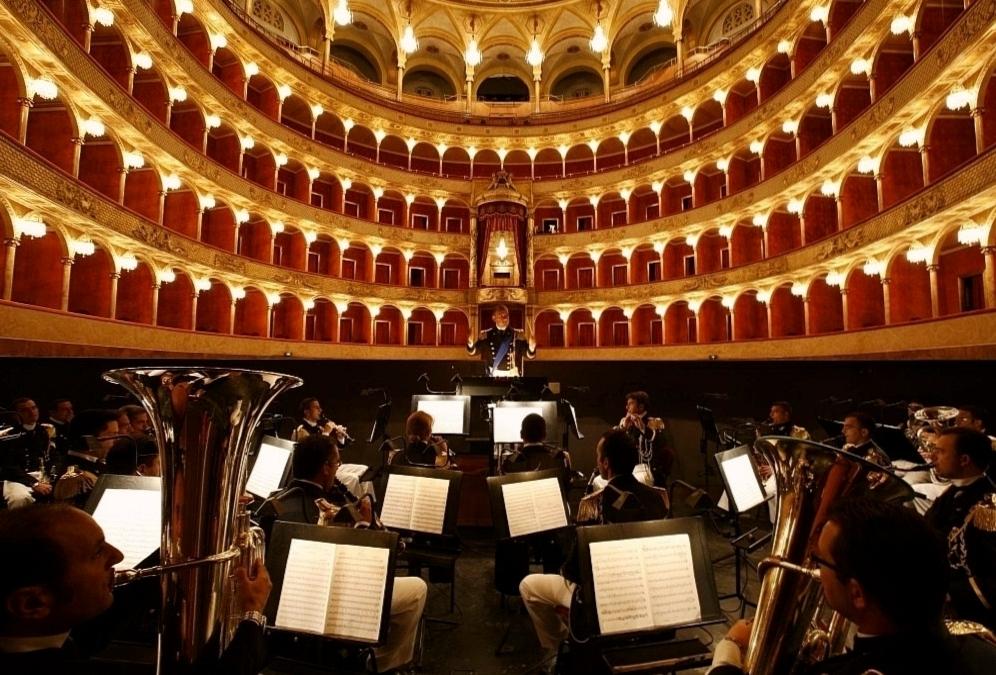 Зал римской оперы фото 2