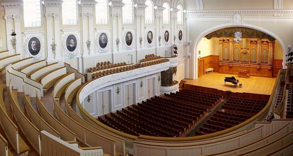 Большой зал Московской консерватории фото 2
