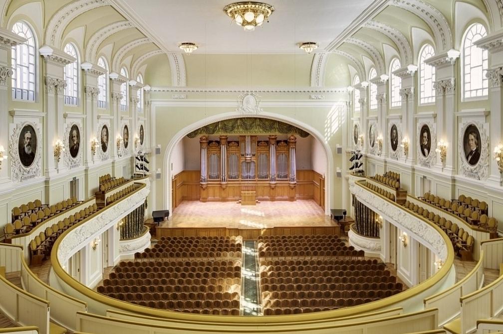Большой зал Московской консерватории фото 1